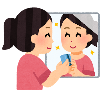 綺麗な鏡にやりがいを感じる、家事代行の女性